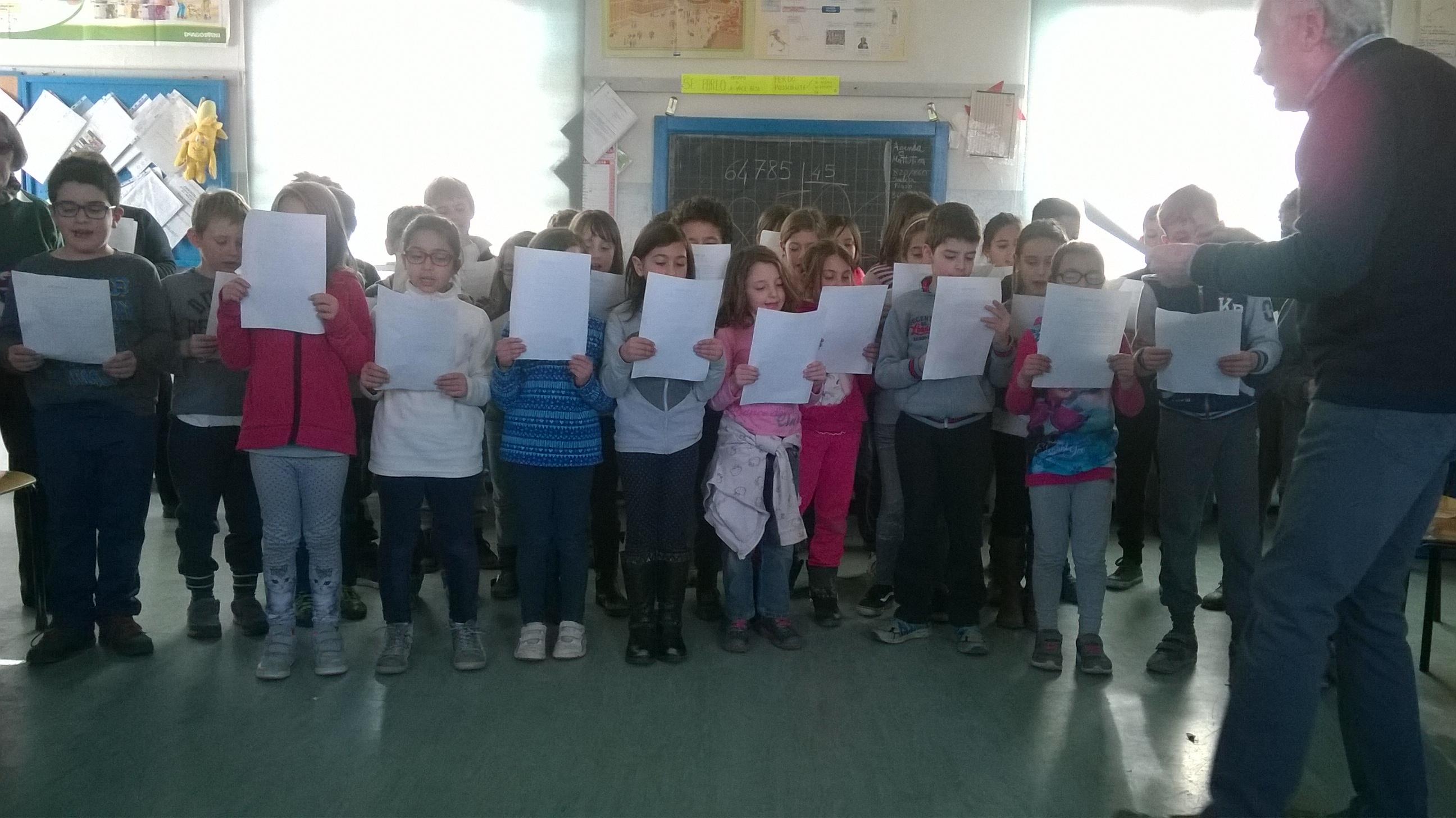 6. I bambini di seconda e terza presentano IL MONDO