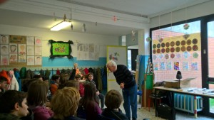 Aldo Pallotti legge Mario Lodi agli alunni della primaria Olivetti di Ivrea - marzo 2018